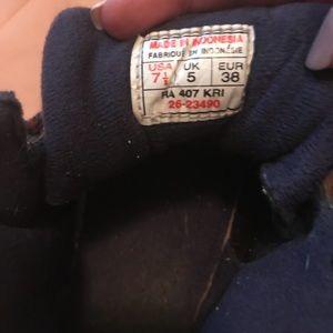 220b8fd256da Reebok Shoes - Vintage 90s Reebok hiking boots women s size 7.5